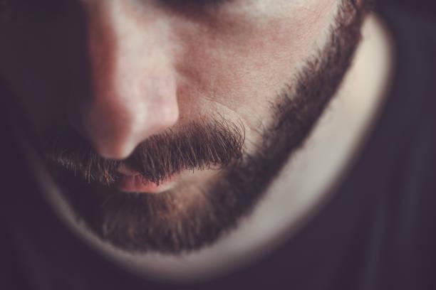 남자 수염과 콧수염의 근접 촬영 - 턱수염 뉴스 사진 이미지