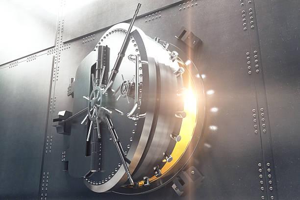gros plan de la porte de chambre forte de la banque - coffre fort équipement de sécurité photos et images de collection