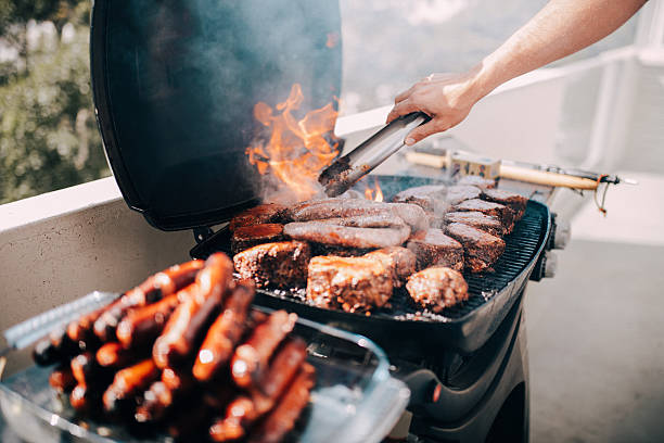 Close-up of barbecue with a lot of meat and sausages – Foto