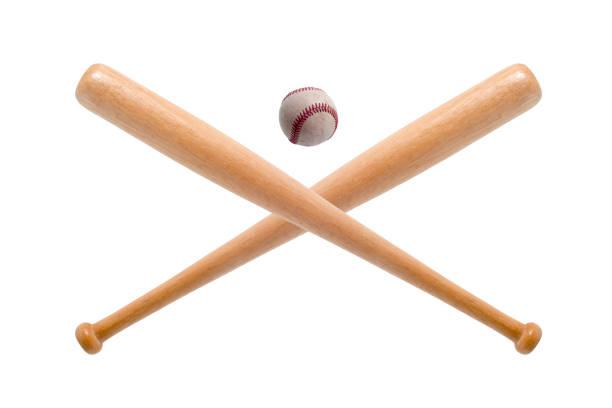 gros plan de batte de baseball et de balle sur fond blanc. - Photo