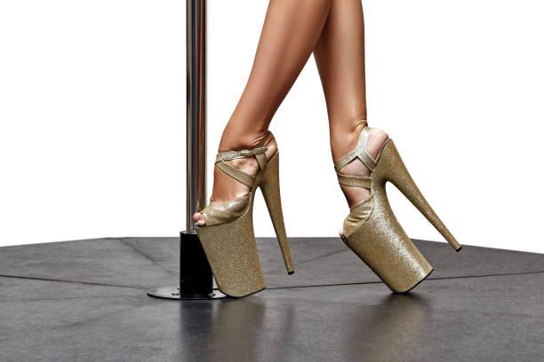 closeup of beautiful legs on high heels – zdjęcie
