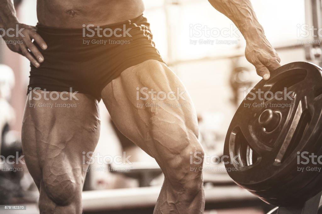 Closeup Of Bodybuilders Muscular Legs Athlete Man Doing Workout ...