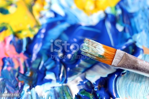 istock Closeup of brush and palette. 625913100