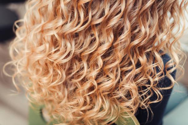 Blond und braune strähnen