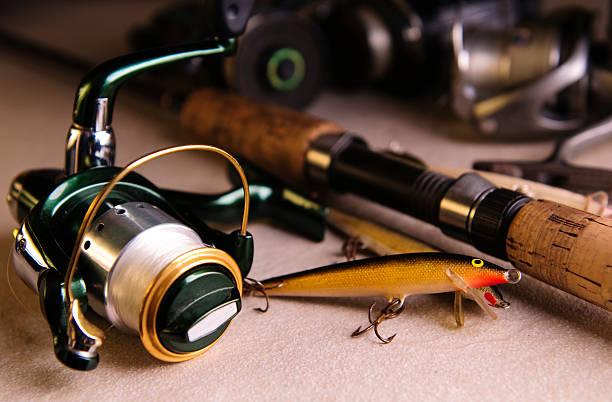 ジョンフィッシングタックル - 釣りをする ストックフォトと画像