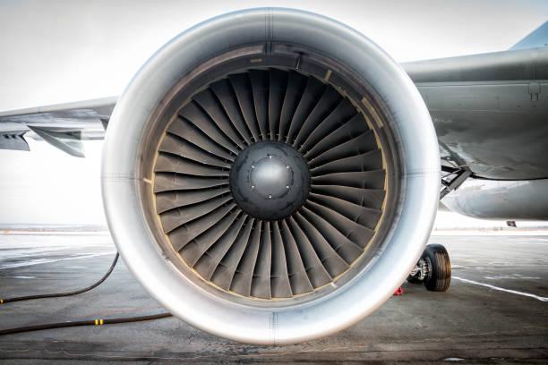 close-up of engine of aircraft - silnik odrzutowy zdjęcia i obrazy z banku zdjęć