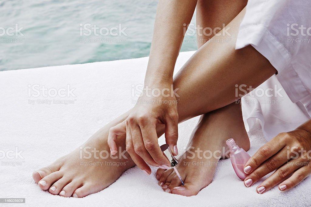 Nahaufnahme der weibliche Füße und Hände – Foto