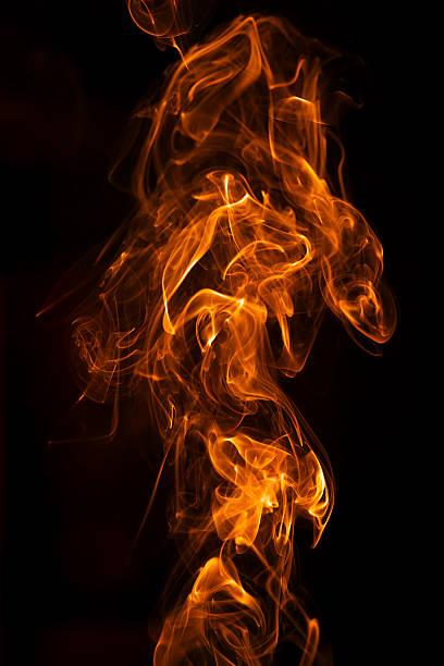 Primer plano y llamas de fuego - foto de stock