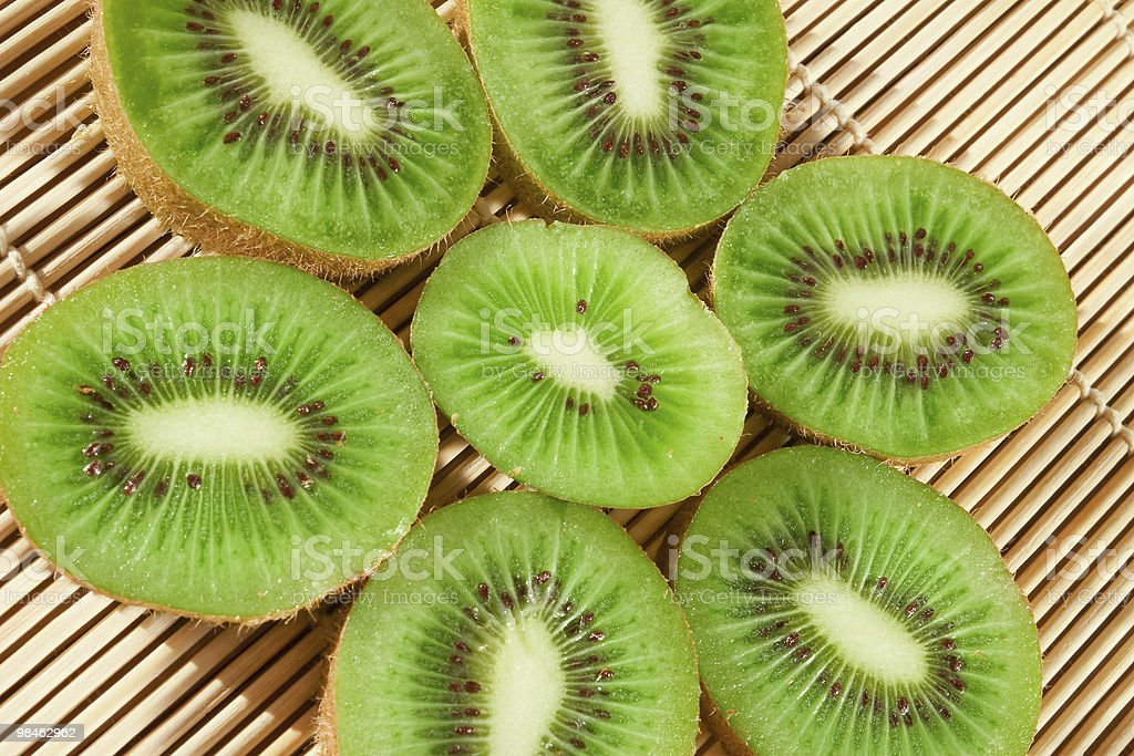 Close-up di kiwi freschi fette foto stock royalty-free