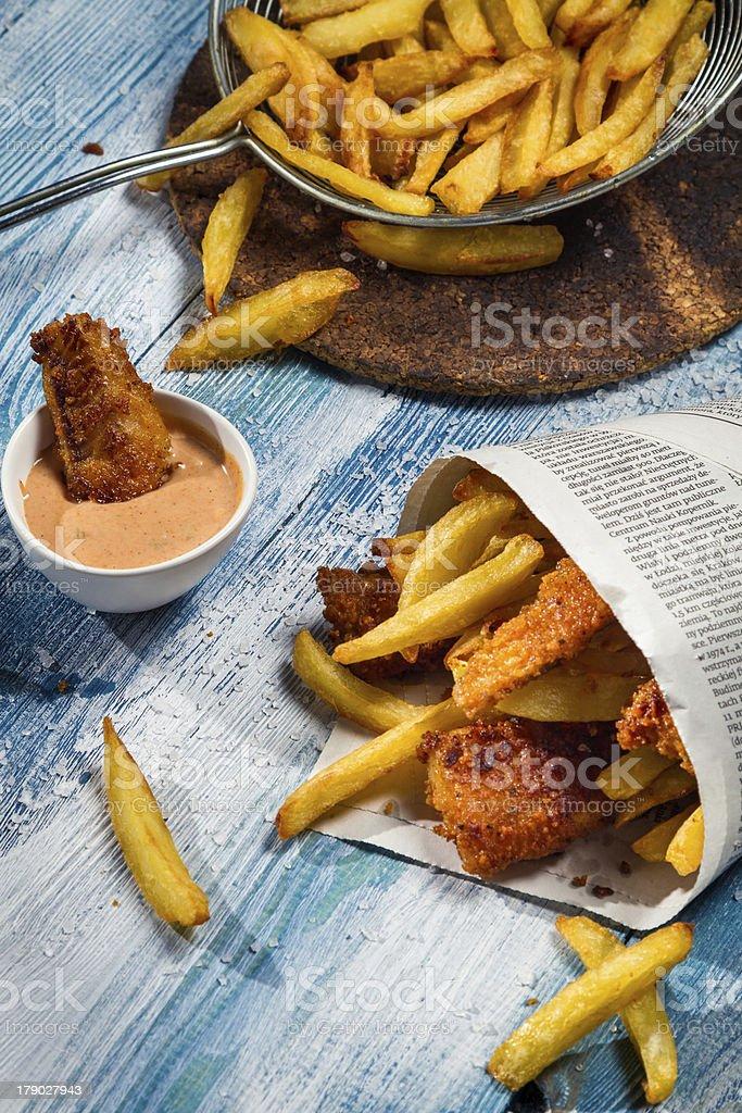 Nahaufnahme Von Hausgemachte Fisch Chips In Zeitung Stock-Fotografie ...