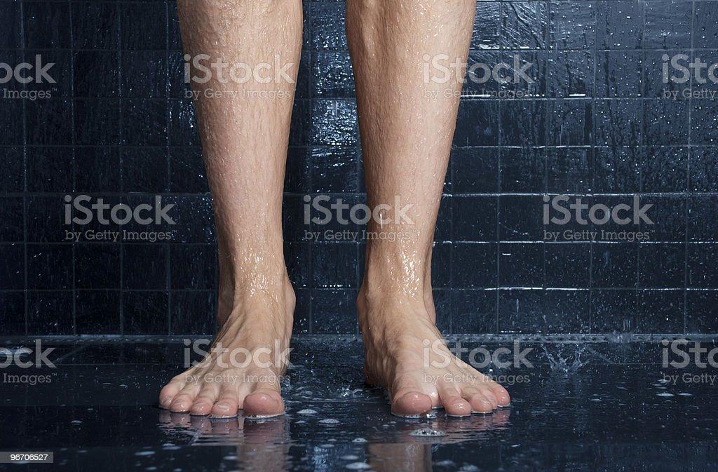 pizdu-trahni-lyubuyu-v-dushe-onlayn-anal