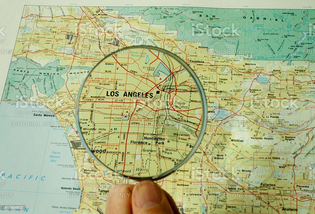 Nahaufnahme Einer Los Angeles Karte Mit Lupe Stockfoto und ...