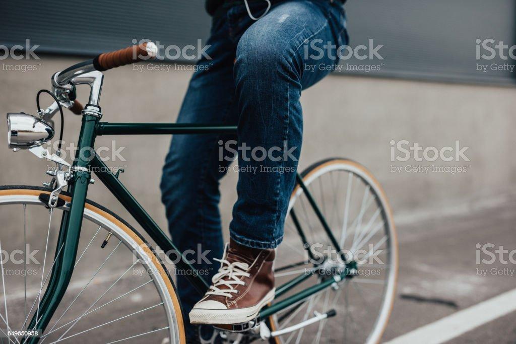 Nahaufnahme des Mannes Beine Fahrrad Pedal – Foto