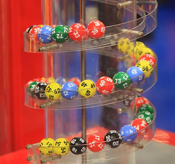 bingo pelotas - numero 51 fotografías e imágenes de stock