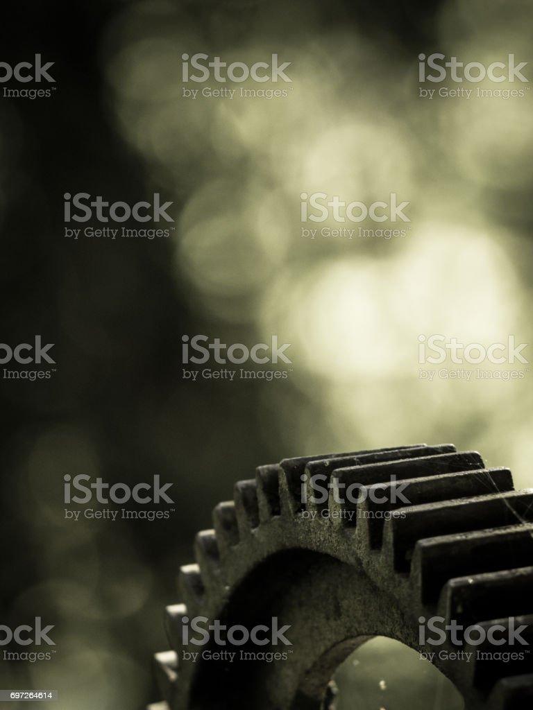 Nahaufnahme der alten Industriegetriebe mit Bokeh Hintergrund, Sepia. – Foto