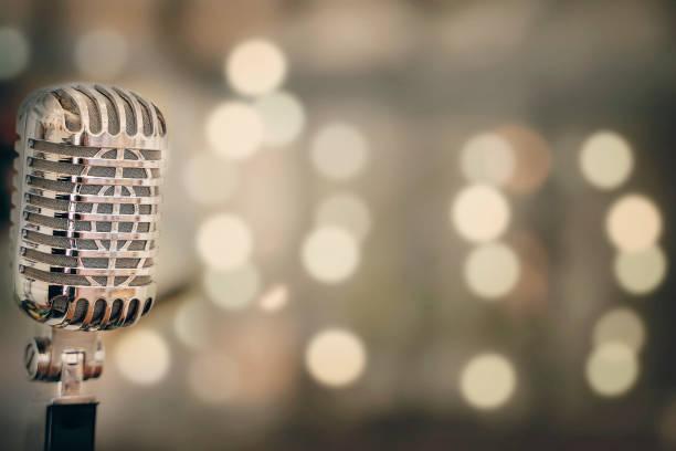 retro mikrofon close-up - caz stok fotoğraflar ve resimler