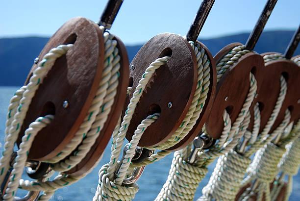 schiff tauwerk - nautische seil stock-fotos und bilder