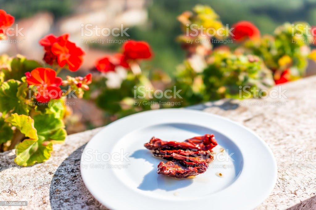 Primer Plano De Tomates Secos Ingrediente Aperitivo En