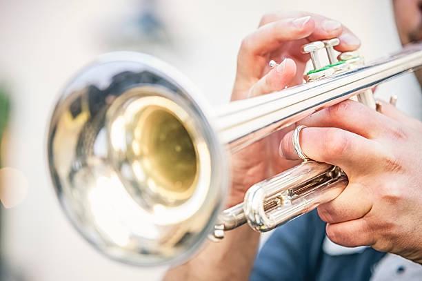 음악가 게임하기 나팔꽃 - 트럼펫 뉴스 사진 이미지