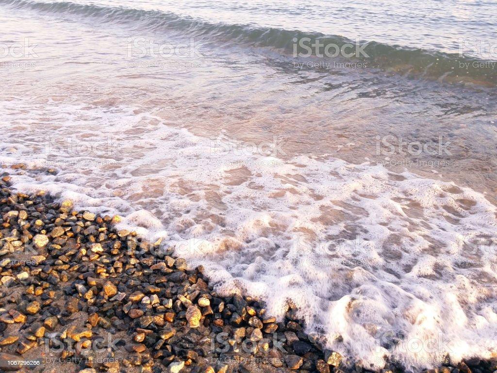 ビーチで波のクローズ アップ ストックフォト
