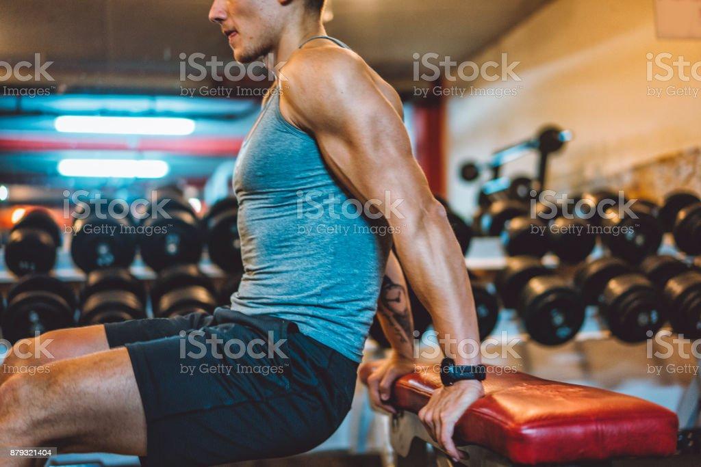 Nahaufnahme der Gewichtheber muskulösen arm – Foto