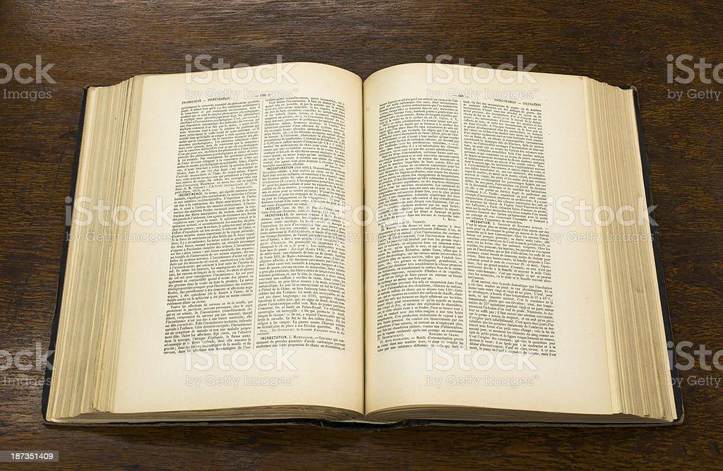 Ouvert de vieux livre - Photo