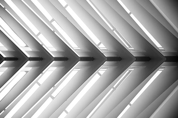 close-up photo of roof structure or suspended lath ceiling - poutre élément architectural photos et images de collection