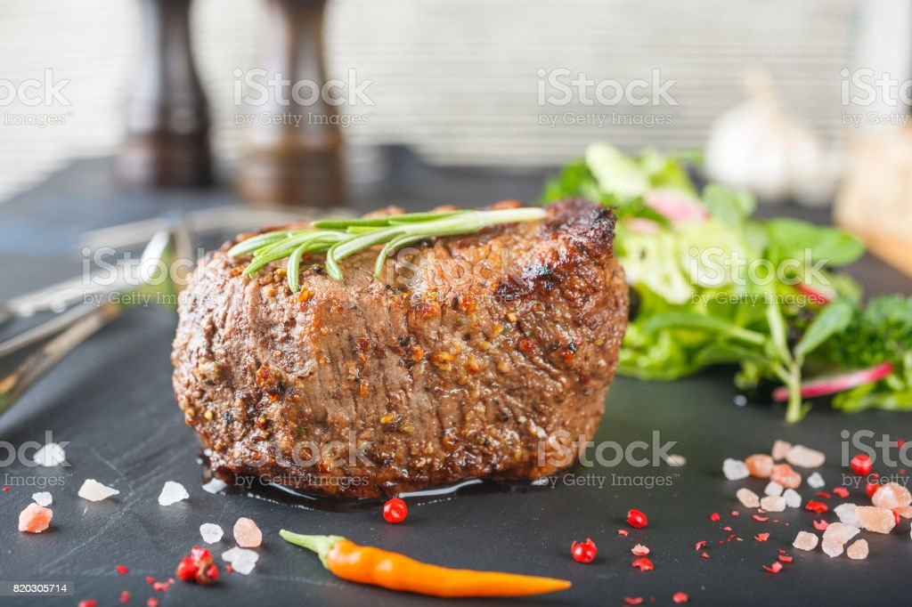Close-up plan of a mellow Chateaubriand stock photo