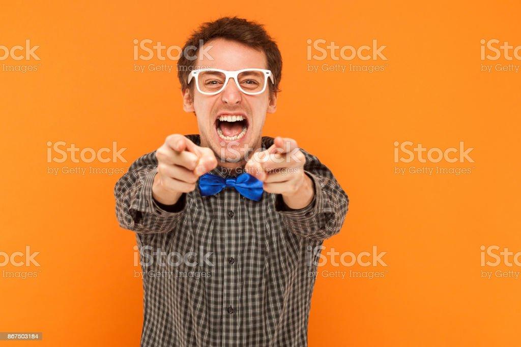 Closeup Portrait Schreiber zeigenden Finger in die Kamera zum Ausdruck zu bringen. – Foto