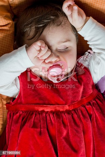 133910422 istock photo Close-up portrait of a beautiful sleeping 671965584