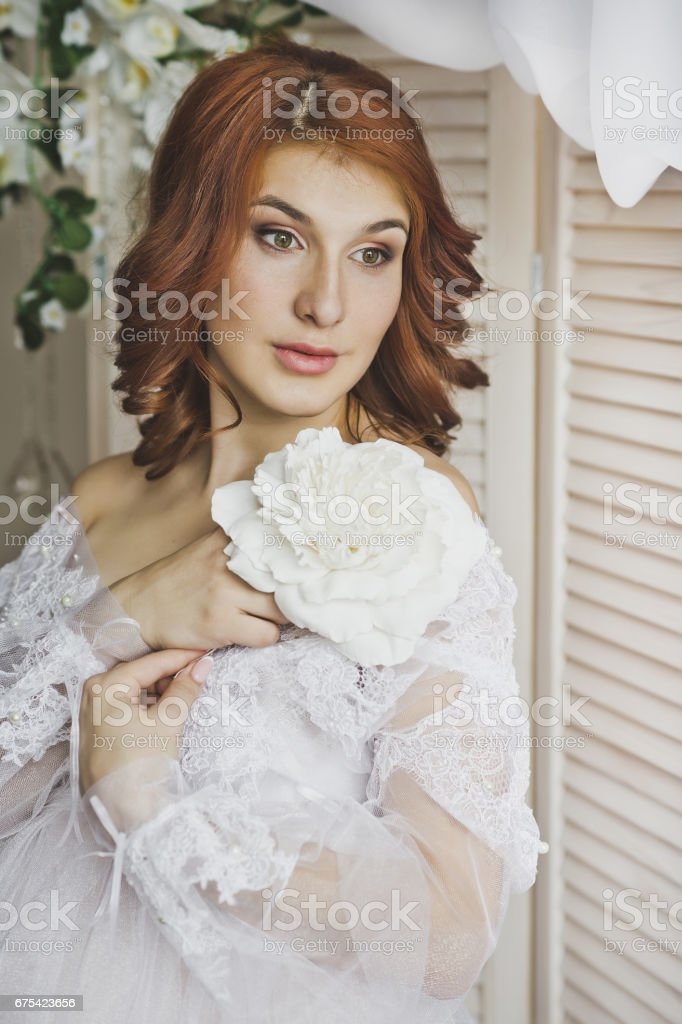 Close-up portrait of beautiful girl with red hair 6888. photo libre de droits