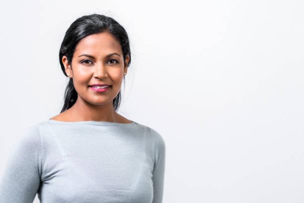 close-up portrait of beautiful mid adult manager - popolazione indiana foto e immagini stock