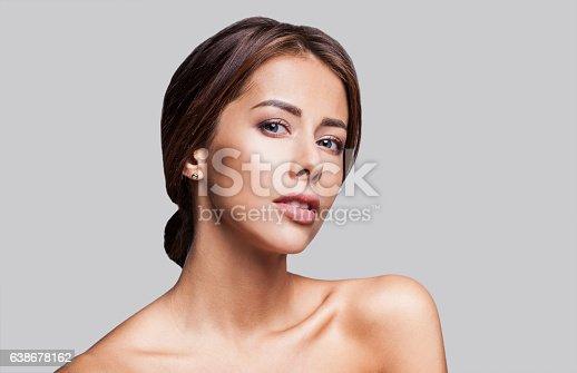 628536910 istock photo Close-up portrait of beautiful woman 638678162