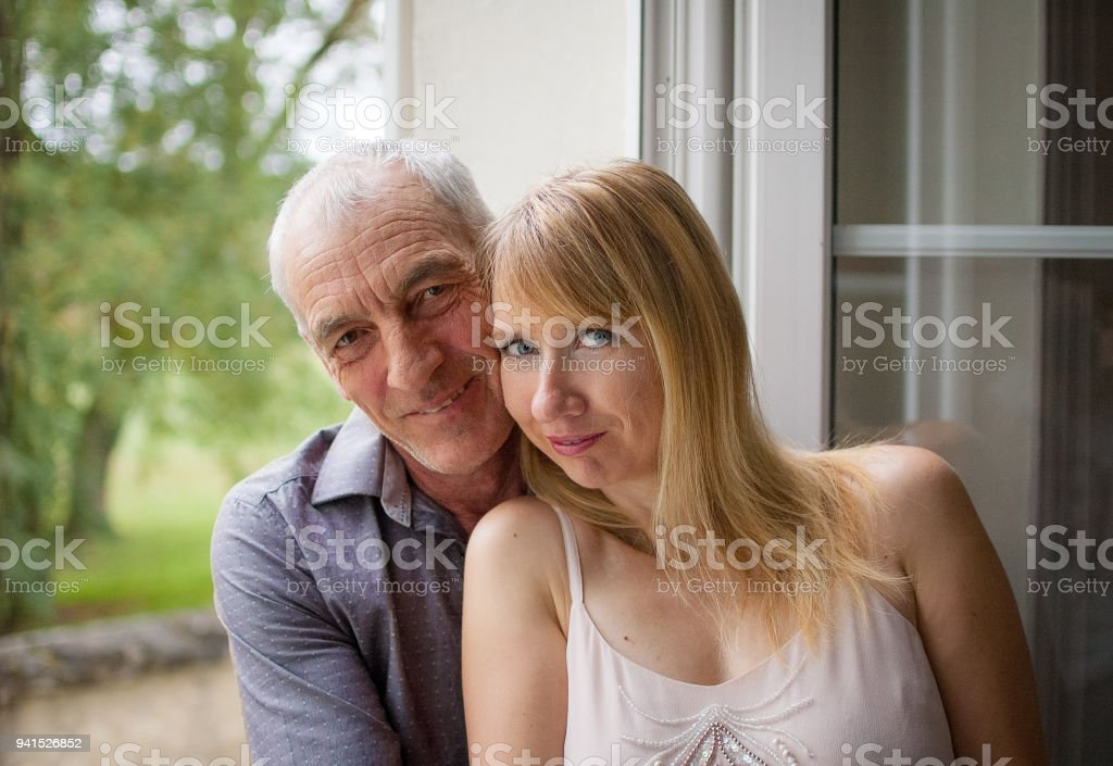 Age difference dating psychology