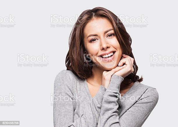 Nahaufnahme Porträt Der Frau Die Ihr Gesicht Berührt Stockfoto und mehr Bilder von 25-29 Jahre