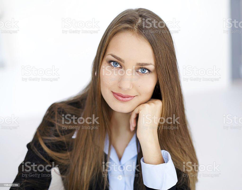 Nahaufnahme portrait von young business woman – Foto