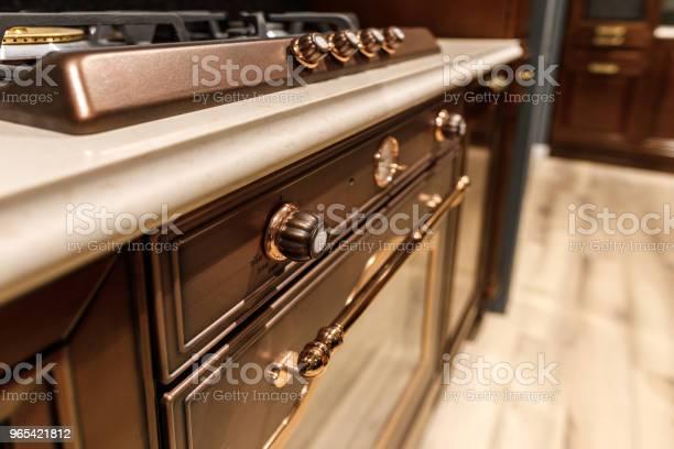 Foto de Closeup Vie De Fogão E Forno Na Cozinha Renovada e mais fotos de stock de Artigo de decoração