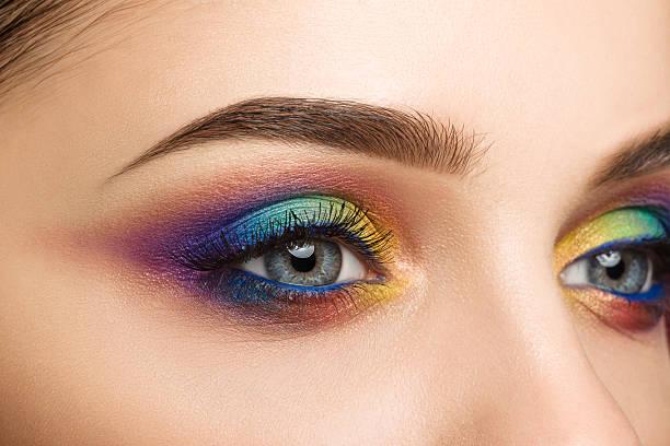클로즈업 보기 블루 female 눈 아름다운 현대적이다 센첸 - 아이섀도 뉴스 사진 이미지