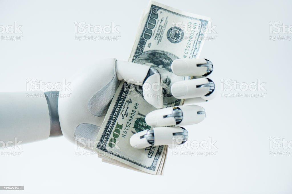 흰색 절연 달러 지폐를 들고 로봇의 근접 보기 - 로열티 프리 0명 스톡 사진