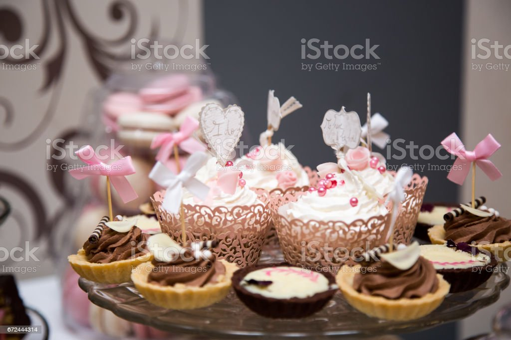 Pleasing Closeup Wedding Photo Of Cupcakes Placed On A Glass Stand On Download Free Architecture Designs Rallybritishbridgeorg