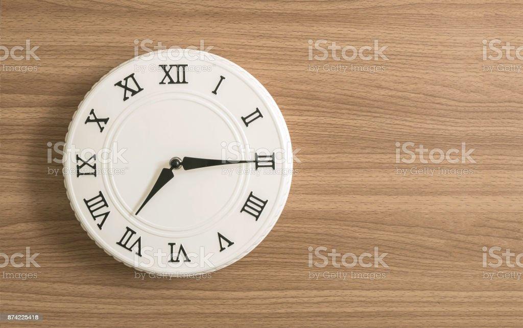 Blanc closeup horloge pour décorer montrent un  sur