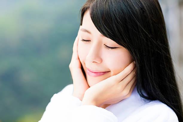 closeup young woman face in spa salon – Foto
