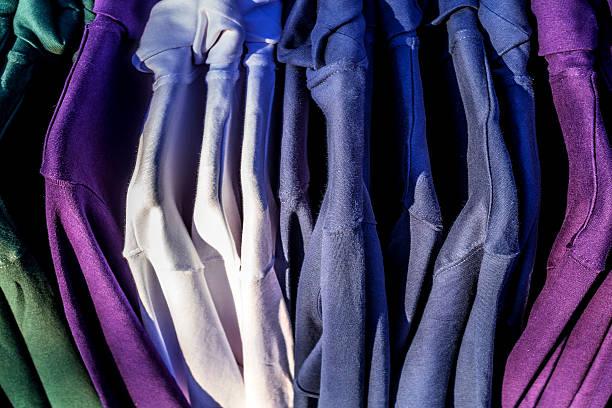 kleidung - fleecepullover stock-fotos und bilder