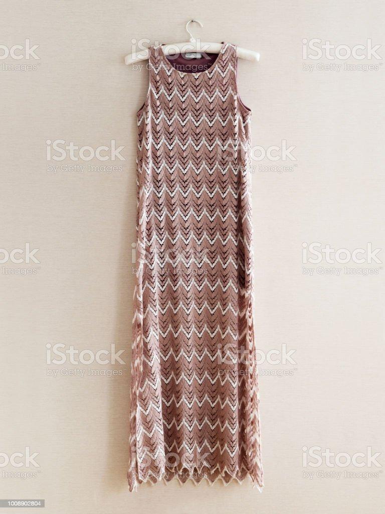 online zum Verkauf neueste Kollektion günstige Preise Kleidung Kleidhänger Persönliches Accessoire Stockfoto und ...