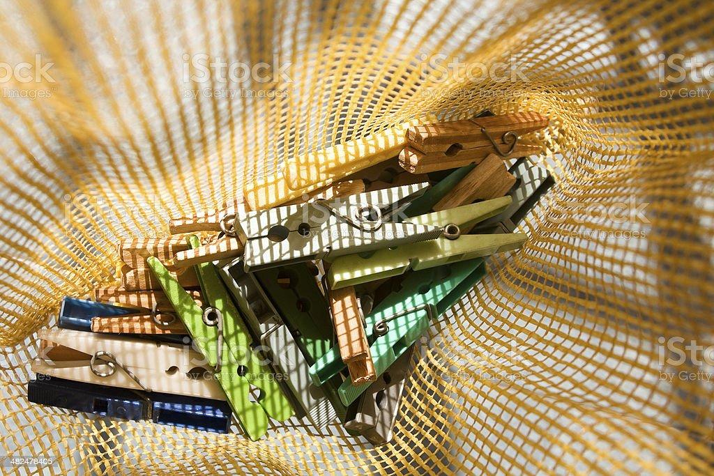 Clothespins em saco plástico - foto de acervo