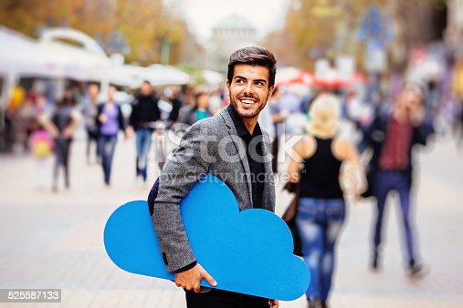 istock Cloud computing 525587133