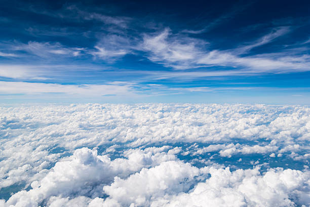 cloud texture and blue sky - nuage photos et images de collection