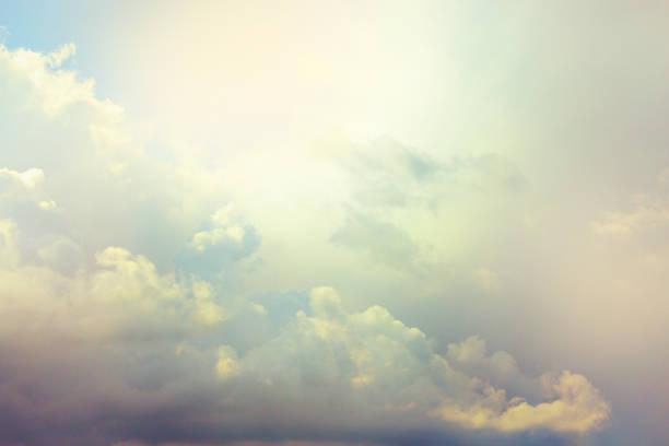 bulutlar arka plan - cennet stok fotoğraflar ve resimler