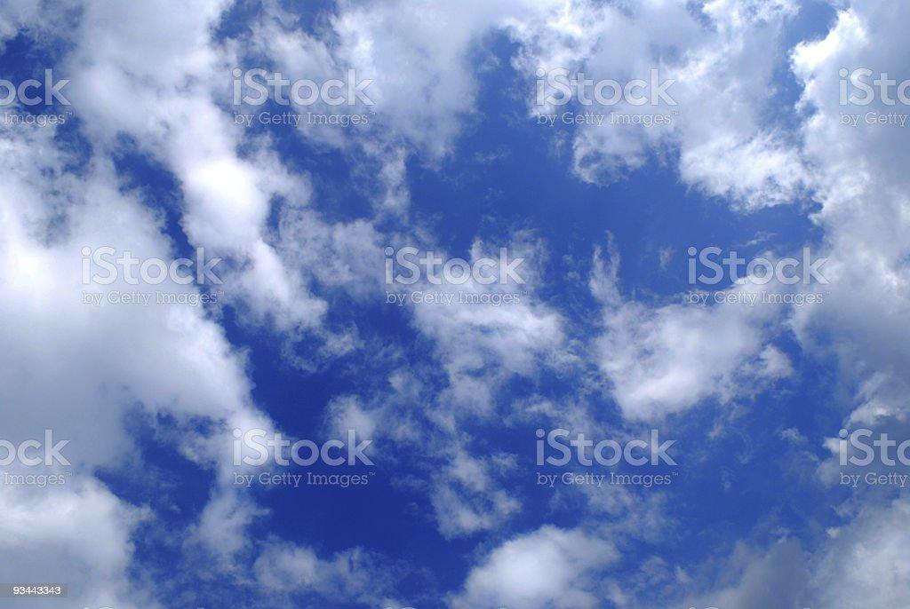 Wolken im Hintergrund Lizenzfreies stock-foto