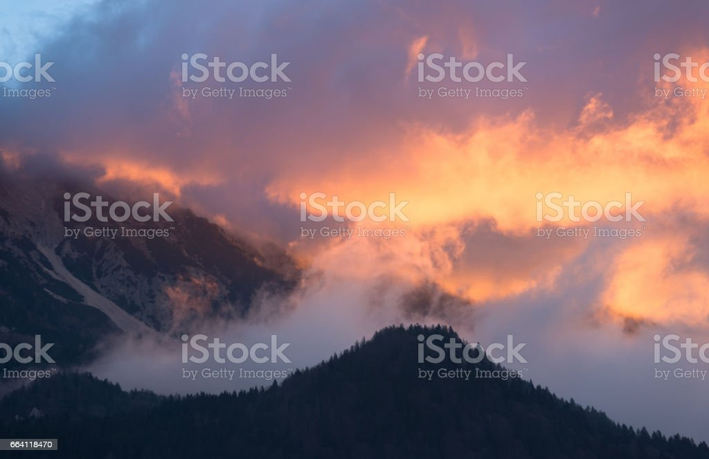 Clouds covering the nature foto stock royalty-free